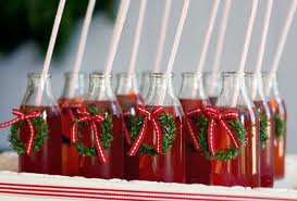 This a cute serving idea for your next Christmas shindig!